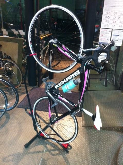 自転車の コギー 自転車 藤沢 : DS?800は自転車を縦にして ...